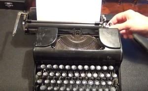 Интересно, но когда-то перемешали буквы на клавиатуре пишущей машинки, чтобы затруднить набор, поскольку техника не успевала за машинистками