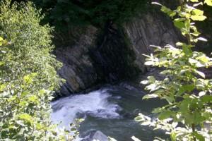 Как вода камень точит, так и человек должен стараться достигать желаемого старанием