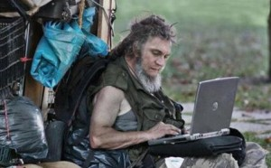Бомж с ноутбуком